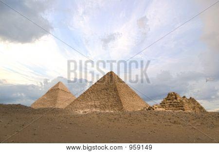 Hdr Pyramids