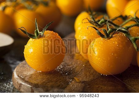 Organic Raw Yellow Tomatoes
