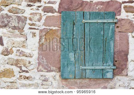 Wood shutter window
