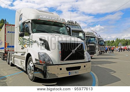 White Volvo VNL Truck On Display At Tawastia Truck Weekend