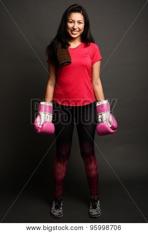 Woman doing a kick boxing workout to get fit
