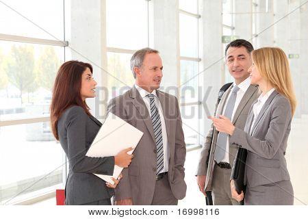 Geschäftsleute, die Sitzung in der Kongreßhalle