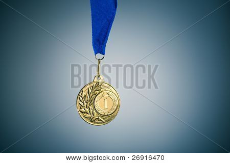 Medalla de oro y copy-space