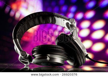 auriculares trasfondo disco morado