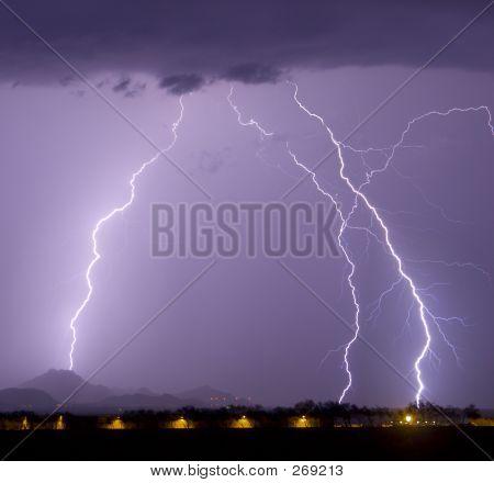 Airport Lightning