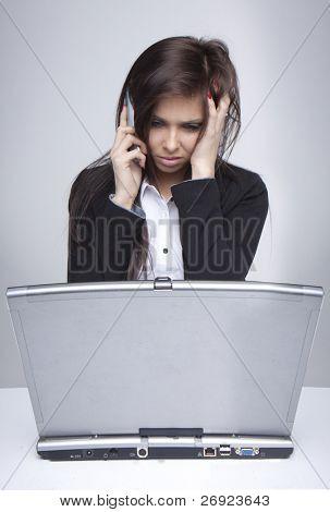 Probleme mit dem Computer Support-Hotline erreichen Frau