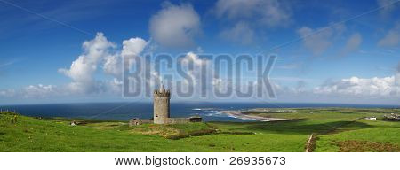 Doonagore castle panoramic - Ireland