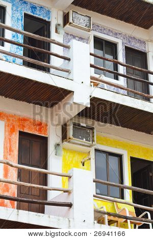 Apartamentos mexicanos coloridos
