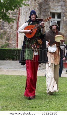Troubadours On Stilts