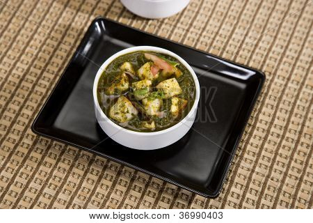Spinach And Cheese Curry
