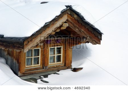 Chalet Bow-window