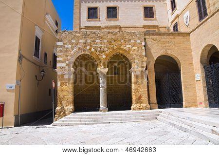 Portikus dei Templari. Brindisi. Puglia. Italien.