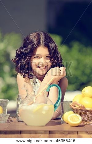 old fashioned lemonade stand