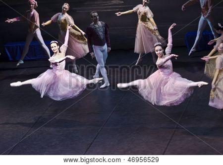 Sigfrido Dances With Maiden