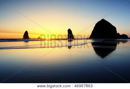 Bunte Cannon Beach Sunset