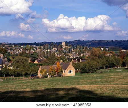 Cotswold village, Chipping Campden, England.
