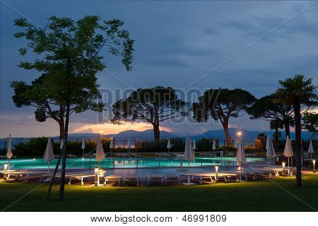 pool at lake gardasee