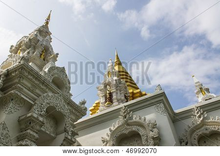 Chedi In Wat Sri Don Moon , Chiangmai Thailand