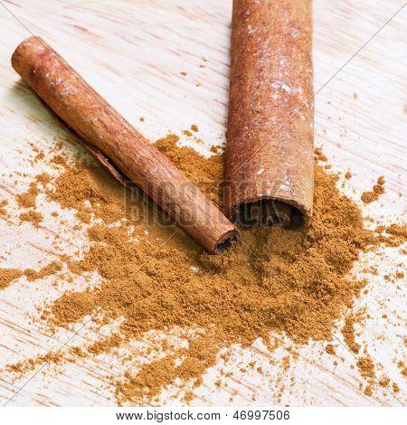 Bark And Ground Cinnamon
