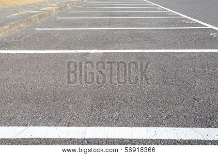 A lot of empty parking space