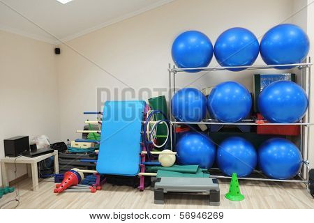 the image of a gym  hall