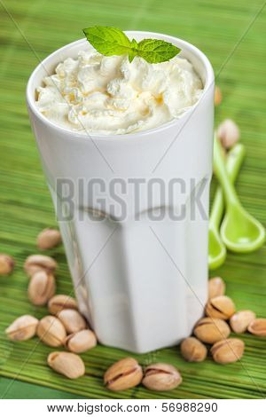 Ice coffee with pistachios