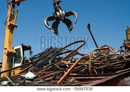 Scrapyard Grabber