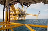 image of offshoring  - Oil and gas platform in the gulf or the sea - JPG