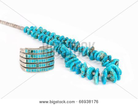 Turquoise Bead Necklace and Bracelet.