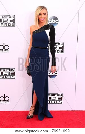 LOS ANGELES - NOV 23:  Giuliana Rancic at the 2014 American Music Awards - Arrivals at the Nokia Theater on November 23, 2014 in Los Angeles, CA