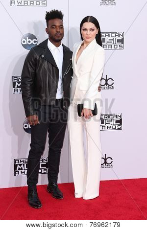 LOS ANGELES - NOV 23:  Luke James, Jessie J at the 2014 American Music Awards - Arrivals at the Nokia Theater on November 23, 2014 in Los Angeles, CA