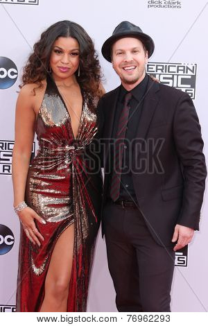LOS ANGELES - NOV 23:  Jordin Sparks, Gavin DeGraw at the 2014 American Music Awards - Arrivals at the Nokia Theater on November 23, 2014 in Los Angeles, CA