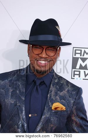 LOS ANGELES - NOV 23:  Ne-Yo at the 2014 American Music Awards - Arrivals at the Nokia Theater on November 23, 2014 in Los Angeles, CA