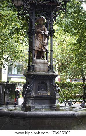 Vierländerin-Fountain Hamburg