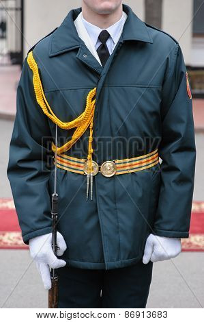 soldier in dress parade uniform