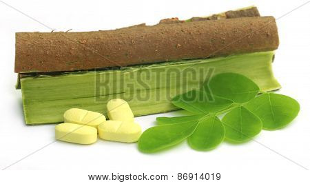 Moringa Leaves And Bark With Pills