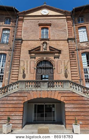 Entrance Of Hotel-dieu Saint-jacques In Toulouse