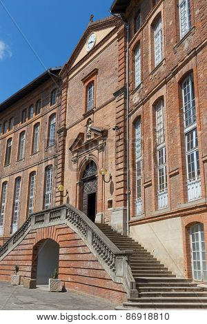 Steps Of Hotel-dieu Saint-jacques In Toulouse