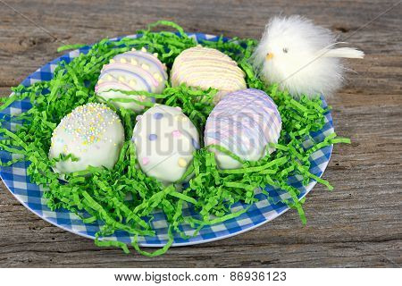 Easter egg cookies with chick