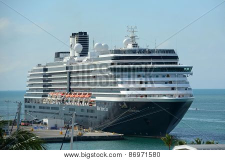 Cruise Ship Zuiderdam in Key West