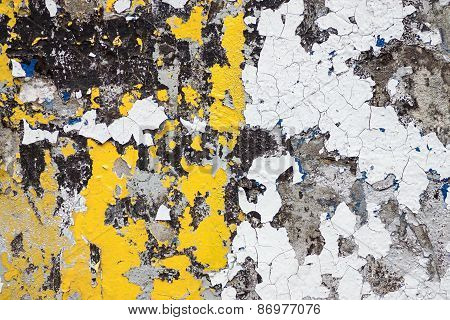 Wall With Old Coloring Of Yellow And White Color