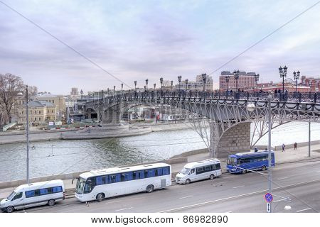 Patriarshy Bridge Across The River Moskva