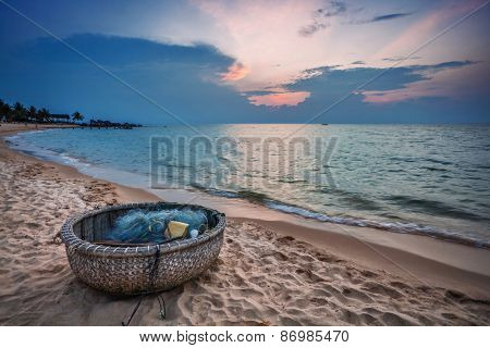 Traditional round Vietnamese boat