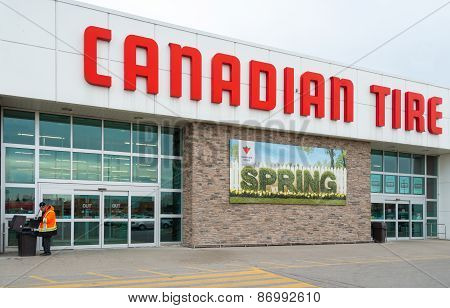 Canadian Tire Store Welcoming Spring Season