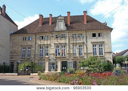 Dole Town Hall