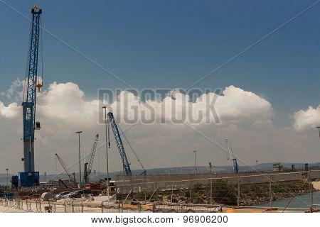 Silhouettes  Cranes