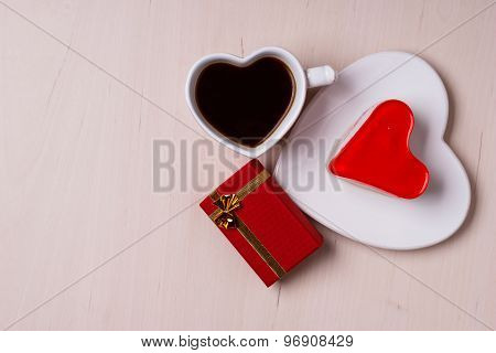 Heart Shaped Coffee Cup Cake And Gift Box