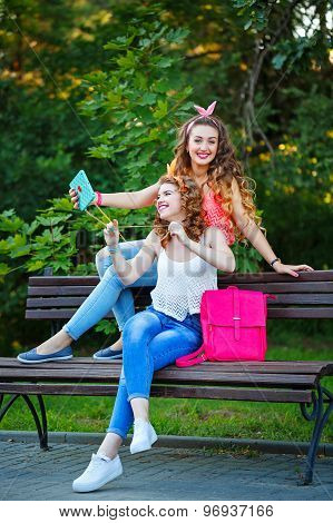 Best Girlfriends On Bench. Photos In Park. Group Selfies.