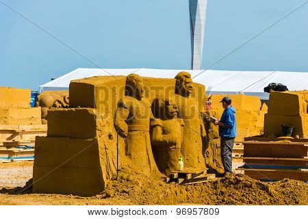 Sand Sculpture Festival Preparings