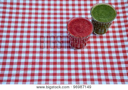 Raspberry And Spinach Smoothies